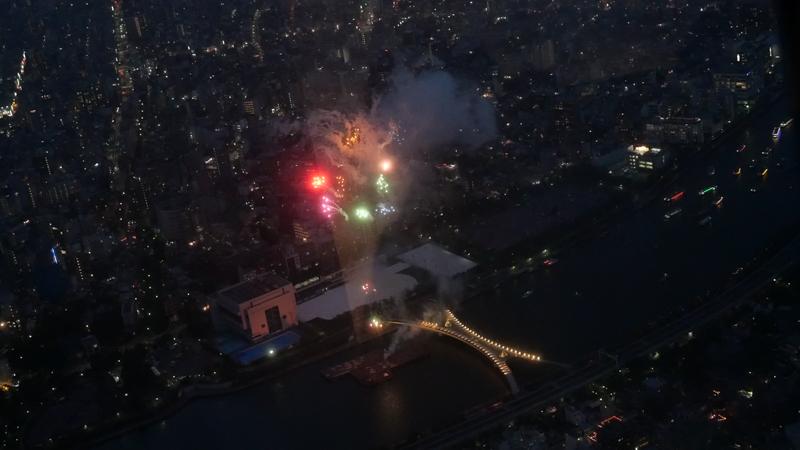 スカイツリー 隅田川花火大会特別営業 天望回廊からの打合せの様子
