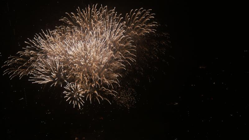 スカイツリー天望デッキから見る隅田川の花火